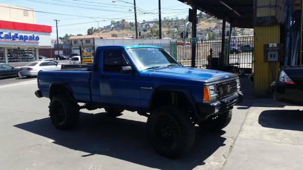 1988 Lifted Jeep Comanche V6 Auto For Sale in Tijuana, Mexico