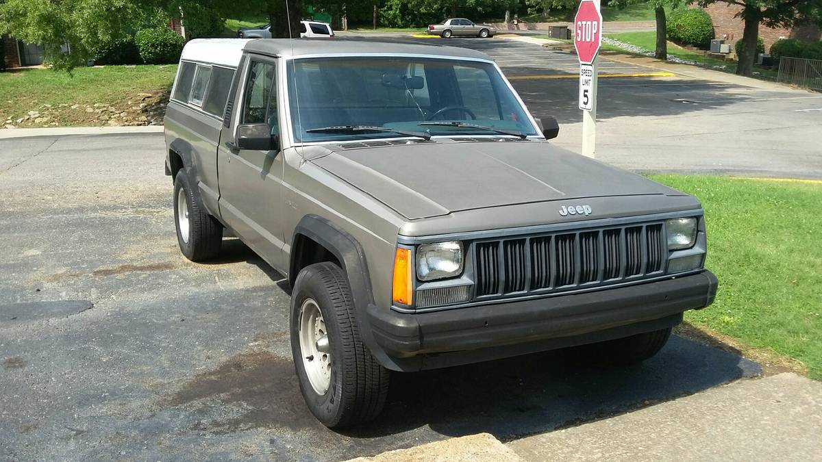 1989 Jeep Comanche Manual For Sale in Nashville, TN - $2,500